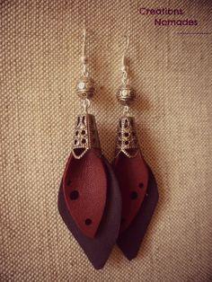 Boucles d'oreille en cuir Feuille de cuir Bordeaux et Violet : Boucles d'oreille par creations-nomades