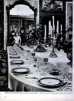 Dinner Party by La Condesa de Revilla Comargo, heir to one of Cuba's largest sugar fortunes prior to the 1959 revolution.  LIFE Magazine, 1950.