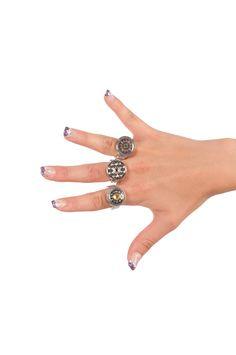 Lass deine Hand jeden Tag anders aussehen mit den SUNSA Ringen in click & change Funktion! So ausgefallen!