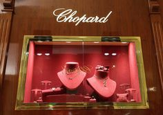 White Display Cabinet Lighting for Chopard Jewellery and Necklaces