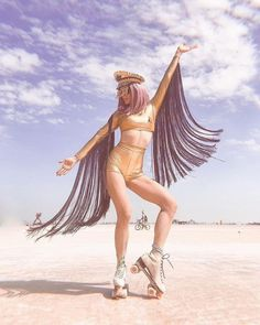 Head to our website for more Burning man ideas & Inspiration. Find the latest collection of festival clothing, rave outfits, edm apparel & festival fashion. Burning Man Style, Estilo Burning Man, Burning Man Roupas, Burning Man Girls, Burning Man Art, Festival Looks, Festival Mode, Edm Festival, Burning Man