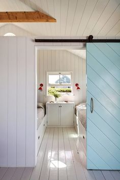 A Shipshape Cape Cod Cottage Inspired by Wes Anderson's The Life Aquatic - Remodelista - - Tei Carpenter and Victoria Birch have a lot in common. They're native New Yorkers, they met in high school, and they roomed together at Brown. Cape Cod Cottage, Cottage Style, Beach House Interior, Cottage Decor, Beach Cottages, Country Cottage Decor, Cape Cod Bedroom, Beach Cottage Decor, Cape Cod Interiors