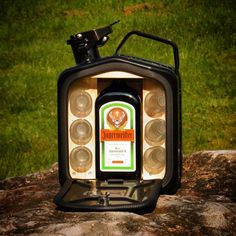 Custom & DIY Minibar Design Inspirations and Ideas for your Mancave Mini Bars, Jerry Can Mini Bar, Outdoor Bathtub, Licht Box, Wine Carrier, Oil Drum, Do It Yourself Projects, Cool Bars, Bottle Holders