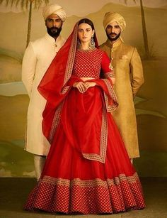 46 Ideas for sabyasachi bridal lehenga red colour Indian Bridal Outfits, Indian Bridal Lehenga, Indian Gowns, Indian Designer Outfits, Indian Attire, Indian Wear, Sabyasachi Lehenga Bridal, Bollywood Saree, Bollywood Fashion