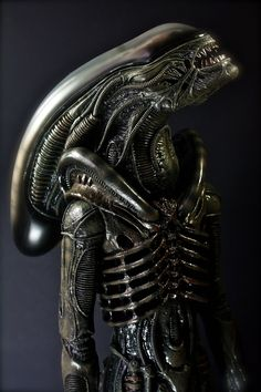 Arte Alien, Alien Art, Alien Vs Predator, Conquest Of Paradise, Xenomorph Costume, Alien Film, Hr Giger Art, Alien Pictures, Saga Art