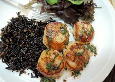 The Briny Lemon: Pan-Seared Scallops with Browned-Butter Wine Sauce