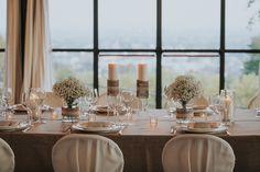 Simple chic wedding table setting #weddingdecor #weddingideas #weddingsetup #tabledecoration #elisaluca2017