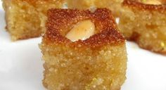 Hareeseh with almonds---a delicious arabic dessert. Other good Middle eastern desserts on this page! Arabic Dessert, Arabic Sweets, Arabic Food, Lebanese Desserts, Lebanese Recipes, Greek Sweets, Greek Desserts, Greek Cake, Puddings