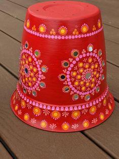 Flower Pot Art, Flower Pot Design, Flower Pot Crafts, Mirror Painting, Dot Art Painting, Mandala Painting, Mandala Art, Bottle Painting, Bottle Art