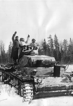 The crew of the German tank Pz. J (a 50 mm KwK 38 L / 42 gun and a Kugelblende 50 course machine gun armor) sends an airborne identification signal. Tank Warfare, Warring States Period, Armored Fighting Vehicle, Ww2 Tanks, Battle Tank, Armored Vehicles, War Machine, Vietnam War, History
