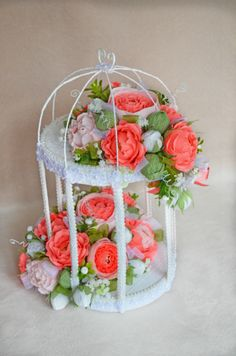 Gallery.ru / Цветочная клетка - Подарки из конфет- 2015/2 - AlinaMor Candy Flowers, Diy Flowers, Paper Flowers, Thali Decoration Ideas, Basket Decoration, Hobbies And Crafts, Diy And Crafts, Paper Crafts, Floral Centerpieces