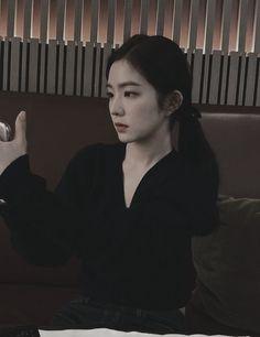 Red Velvet Irene, Girl Photography Poses, Jokes Quotes, Cute Icons, Kpop Aesthetic, Seulgi, Girl Boss, Bae, Chara