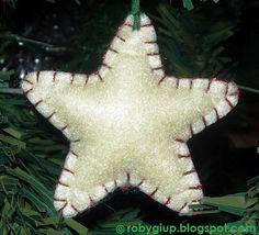 RobyGiup Handmade: Felt stuffed star for the Christmas tree or to decorate presents packaging - Stella di feltro imbottita per l'albero di Natale o per decorare i pacchetti regali