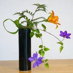 Top Ikebana Vases: Function Meets Beauty In This Japanese Art - InfoBarrel