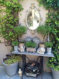 Kert, bolhapiac - Susan in de Overgang Rustic Gardens, Outdoor Gardens, Shabby Chic Garden, Garden Whimsy, Cottage Garden Design, Small Gardens, Garden Projects, Garden Ideas, Garden Pots