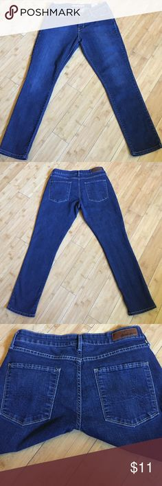 """dENiZEN from LEVI'S Modern Skinny Jeans Super stretchy Essential Stretch denim, Lifts and hugs your curves for the perfect fit. Really great with a pair of heels. Approximate length 36"""". Levi's Jeans Skinny"""