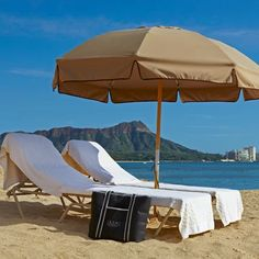 Picture yourself here – lounging on Waikiki beach and making use of our complimentary beach bag service. Our beach bags are filled with bottled water, fresh fruit, and fluffy towels.  #TravelTuesday #TrumpWaikiki #Waikiki #Hawaii #Beach #Ocean #Hotel #Luxury #Travel #Vacation
