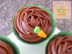 Ah! a Páscoa, quanto chocolate, que delícia! Esses capcakes fiz para presentear meus afilhados, ficarma deliciosos e lindos! A massa e´a min...