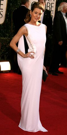 Ellen Pompeo-- So beautiful& what to say about the dress?