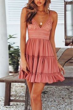 Sexy V-Ausschnitt, Tiered Ruffle Pink, Minikleid mit Blumenmix – Sommer Mode Ideen Sexy V-neck, tiered ruffle pink, mini dress with Sexy Dresses, Cute Dresses, Flower Dresses, Boho Summer Dresses, Simple Dresses, Short Boho Dress, Cute Dress Outfits, Pink Dress Casual, Summer Mini Dresses