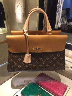 #louisvuittonbags #louisvuittonvenusbags #Authentic Louis Vuitton Monogram Canvas Venus Bag M41778 Epice
