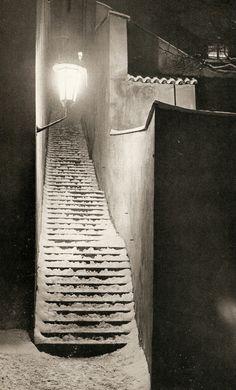Winter Prague by Jiří a Ivan Doležal (stairs,Uvoz)
