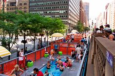 HOT - NYC pop-up pools convert space formerly occupied by cars into temporary family oasis (Liu Xin)