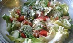 Bazsalikomos csirkemell salata