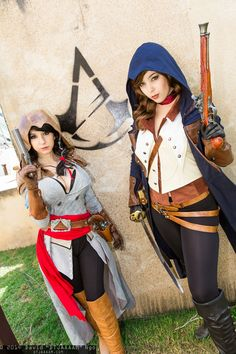 Assassin and Arno Dorian cosplay | San Diego Comic-Con 2014 #dtjaaaam #rule63 #Riddle #MonikaLee