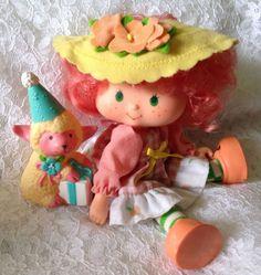 Shop by Category Strawberry Shortcake Skewers, Strawberry Shortcake Cheesecake, Strawberry Shortcake Characters, Vintage Strawberry Shortcake Dolls, Retro Toys, Vintage Toys, Barbie, Peach Blush, Holly Hobbie