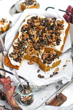 Kürbiskuchen vom Blech mit Knusperhaube - KüchenDeern Pumpkin Recipes, Cake Recipes, Cake & Co, Diy Cake, Pound Cake, Soul Food, Banana Bread, Healthy Snacks, Sweets