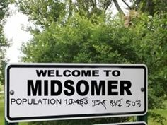 Are you a fan of Midsomer Murders TV series? Then visit Midsomer Murders filming locations. The Peacock Country Inn is home to Midsomer Murders Society and is just 10 minutes from Thame. Murder Most Foul, Midsomer Murders, Jane The Virgin, Daily Funny, Filming Locations, Welcome, Cool Pictures, Laughter, Hilarious