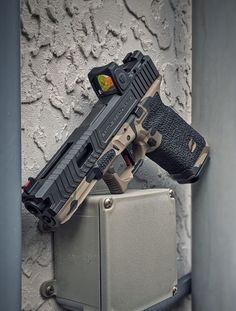 Fully built custom Glock 17 from Battle Ready Arms. Features the Signature Stippling Package & the Guardian 17 slide. Military Weapons, Weapons Guns, Airsoft Guns, Guns And Ammo, Zombie Weapons, Armas Airsoft, Tactical Pistol, Tactical Wall, Ar Pistol