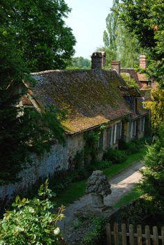 Flavy-le-Martel. Credit: Gerberoy, Picardie, France