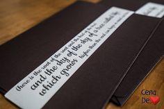 Envelope em papel texturizado marrom