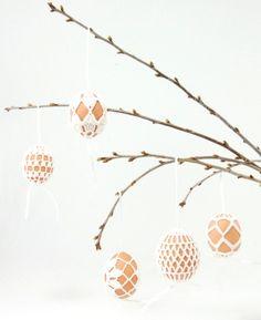 brownfinches: Crochet Egg Holder - LVLY