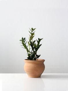 vintage terra cotta planter / vintage vase by 86home on Etsy, $28.00