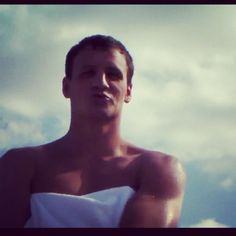 "Ryan Lochte appearance in US swimming ""Call Me Maybe""  best part of the video (i caught the kiss!)"