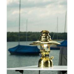 Lampe HK 150 à pétrole laiton poli Petromax Hk 500, Candels, Brass Lamp, Cool Lighting, Messing, Polished Brass, Light Up, Spain, Caravans