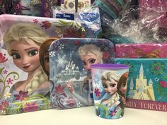 Let it go! Frozen tableware & accessories are the most popular party theme!