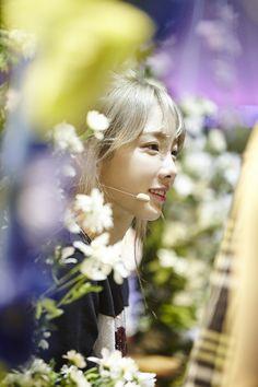 Girls' Generation Phantasia Photos + Party (Winter Ver) Lyrics - OMONA THEY DIDN'T! Endless charms, endless possibilities ♥