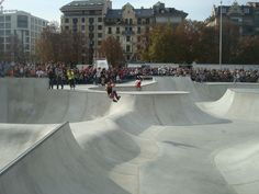 Inauguration - Skatepark de la plaine de Plainpalais, Geneve, Switzerland Wood Deck Designs, Skateboard Ramps, Ride Or Die, Backyard For Kids, Sustainable Development, Skate Park, Building Design, Surfing, Street View