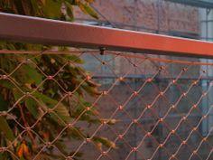 Nerezové sítě X-TEND zajišťují zábradlí balkonů administrativních budov - Carl Stahl & spol, s.r.o Carl Stahl, Stainless Steel Mesh, Outdoor Structures, Architecture, Czech Republic, Garden, Arquitetura, Garten, Lawn And Garden