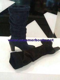 e9dd7805ccb6a Замшевые сапоги на широком каблуке Обратите внимание! На сайте… summerboots  · The best women s walking shoes