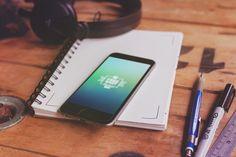 free-iphone-and-macbook-mockups-v2