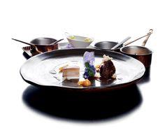 """""""Maialino di Cinta 36 h, patata viola, albicocca, crema di latte di riso"""" dello chef Daniele Sera del Ristorante Tosca di Casole d'Elsa (SI)  #lamadia #lamadiatravelfood #food"""