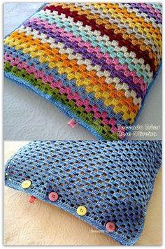 Crochet Patterns Pillow cute crochet pillow…Inspiration for Colors! Crochet Pillow Cases, Crochet Cushion Cover, Crochet Cushions, Crochet Squares, Crochet Granny, Crochet Stitches, Thread Crochet, Granny Squares, Crochet Hearts