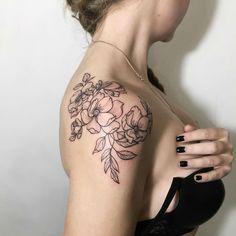 24 Feminine Tattoos by Incredible Ira Shmarinova