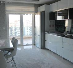 Beyaz mutfak, Mutfak halısı, Mutfak, Mutfak masası, Halı, Modern mutfak
