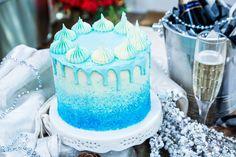 """Winter Wonderland Cake - John Kanell of """"Preppy Kitchen"""" is making a beautiful dessert with homemade white chocolate buttercream frosting. Frozen Themed Birthday Cake, Themed Cakes, Desserts To Make, Holiday Desserts, Frozen Cake Pops, White Chocolate Buttercream Frosting, Holy Communion Cakes, Winter Wonderland Cake, Beautiful Desserts"""